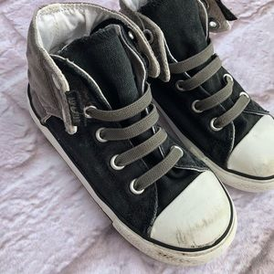 87db3c528363 Converse Shoes - Boy Velcro Converse Shoes 10c